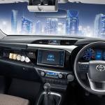 2016-Toyota-Hilux-Revo-Interior2
