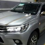 2016-Toyota-Hilux-Revo-front-side