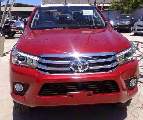 2016-Toyota-Hilux-Revo-red-color-front1