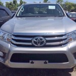 2016-Toyota-Hilux-Revo-silver-color-front