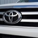 2016-Toyota-Revo-White-DC-front2