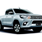 silver-toyota-hilux-revo-front